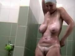 Hidden voyeur spy camera mature mom spied in shower taking a bath