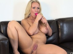 Eyeless light-complexioned beauty Austin Taylor gets freaky near her sex-toys