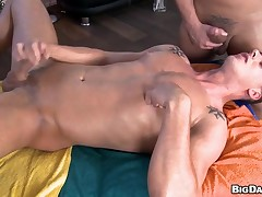 Cute twink is pounded deeply depending on gay ray releases jizz